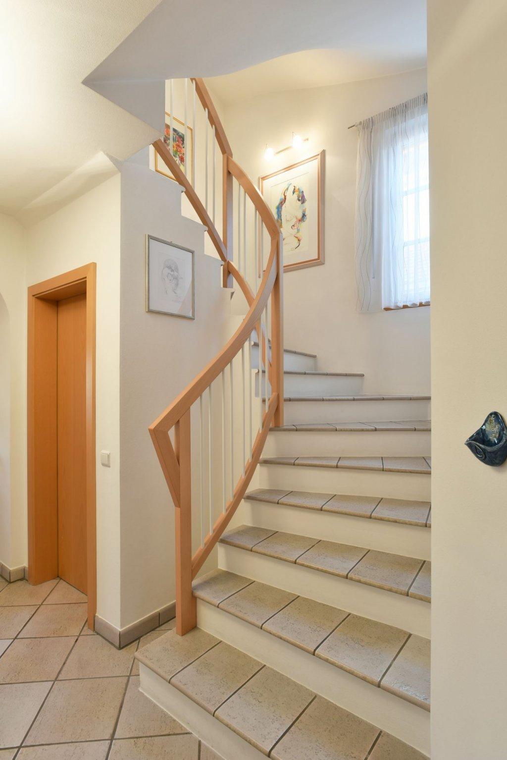 treppengel nder mit metall. Black Bedroom Furniture Sets. Home Design Ideas