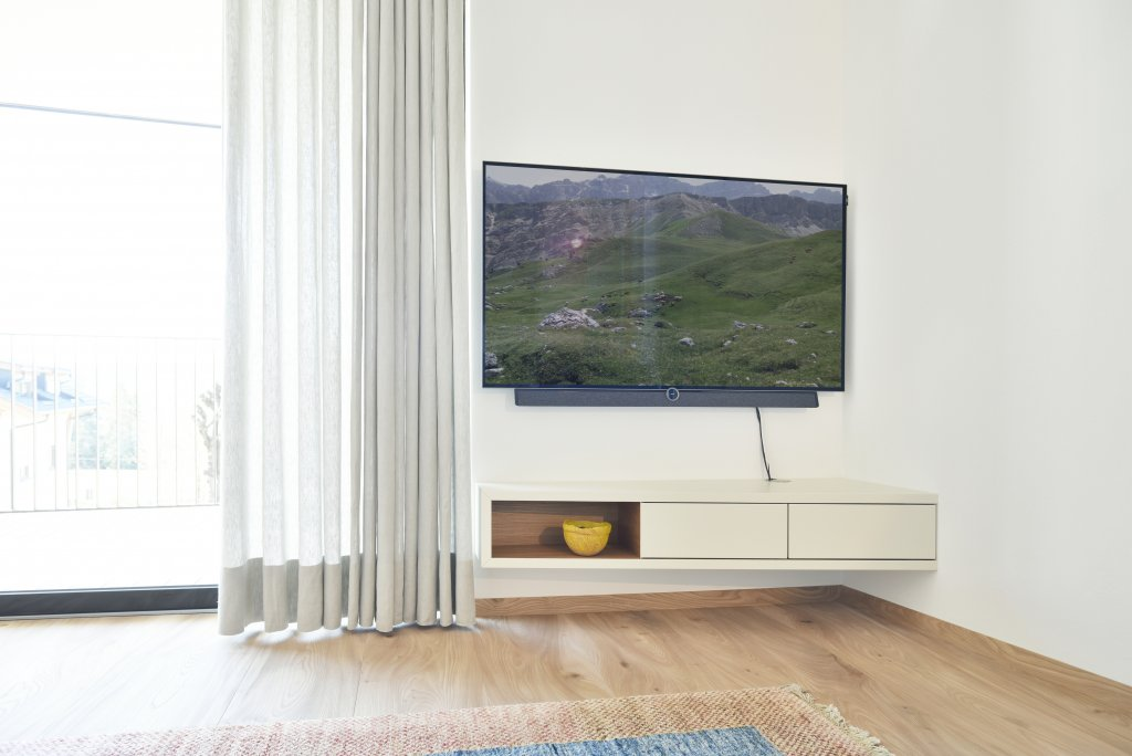 trennw nde mit raumteiler tv m bel. Black Bedroom Furniture Sets. Home Design Ideas